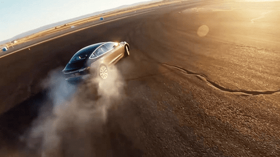 Електроавтомобіль Tesla Модель 3 оснастили гоночним режимом Track mode