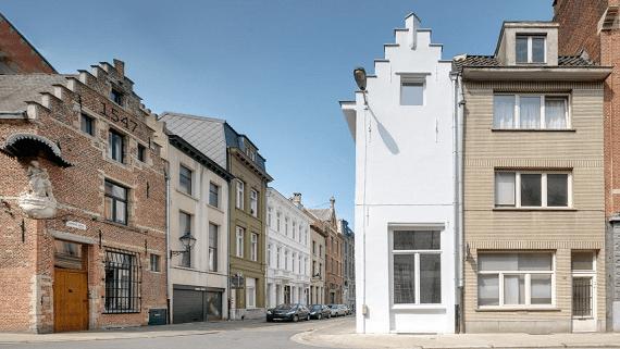 Крошечный однономерный отель в Бельгии