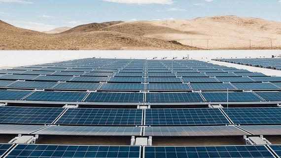 Tesla встановить найбільший сонячний дах на своєму заводі Gigafactory 1