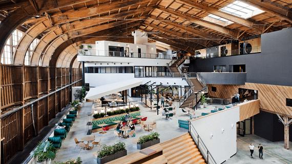 Новый офис компании Google построили в старом ангаре