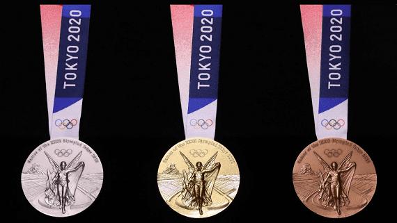 В Токио презентовали олимпийские медали из переработанной электроники