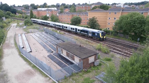 В Англии запустят первую в мире железнодорожную линию работающую на солнечной энергии