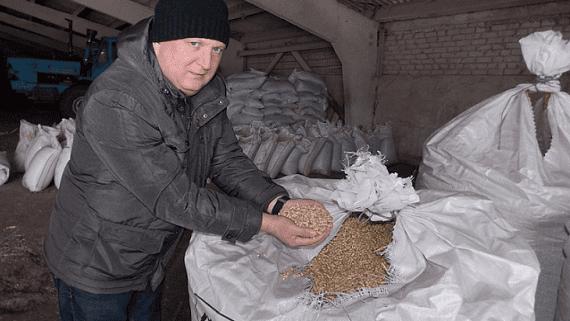 Фермер из Донецкой области запустил производство соломенных пеллет
