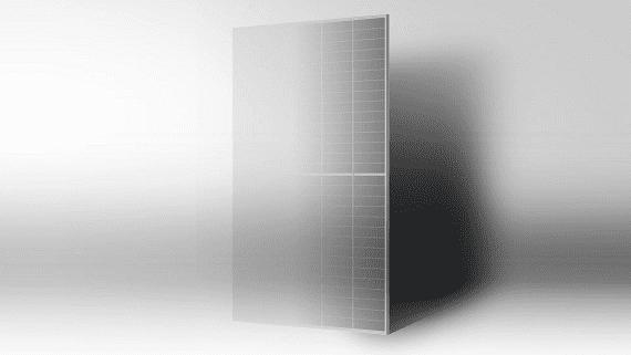 Китайська компанія запускає виробництво великогабаритних сонячних модулів