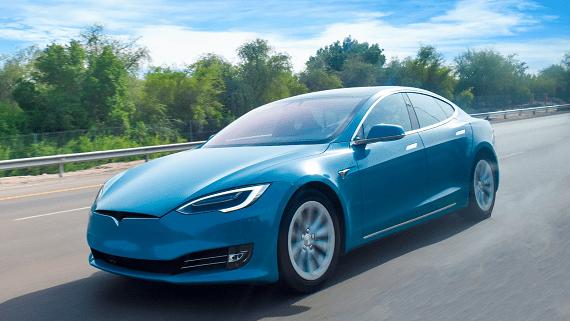 Электрический минивэн и новые аккумуляторы от Tesla