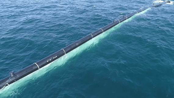 Представлений остаточний вигляд бар'єру для очищення океану від пластикового сміття