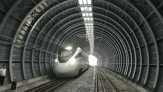 У Китаї будують перший в світі протишумовий тунель для поїздів