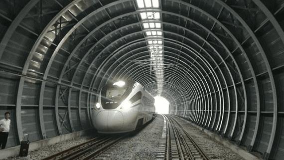 В Китае строят первый в мире противошумовой туннель для поездов