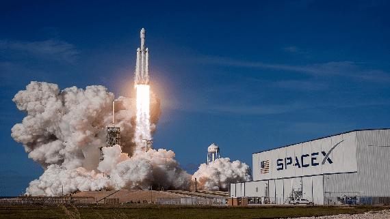 Революционный этап в освоении космоса - успешный запуск ракеты Falcon Heavy