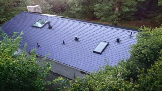 Первые владельцы крыши с солнечными батареями Solar roof