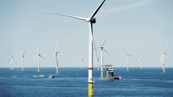 В Англії запустили найбільший в світі морський вітрової парк