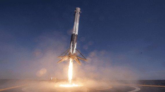 SpaceX готується до запуску оновленої версії ракети Falcon 9 Block 5